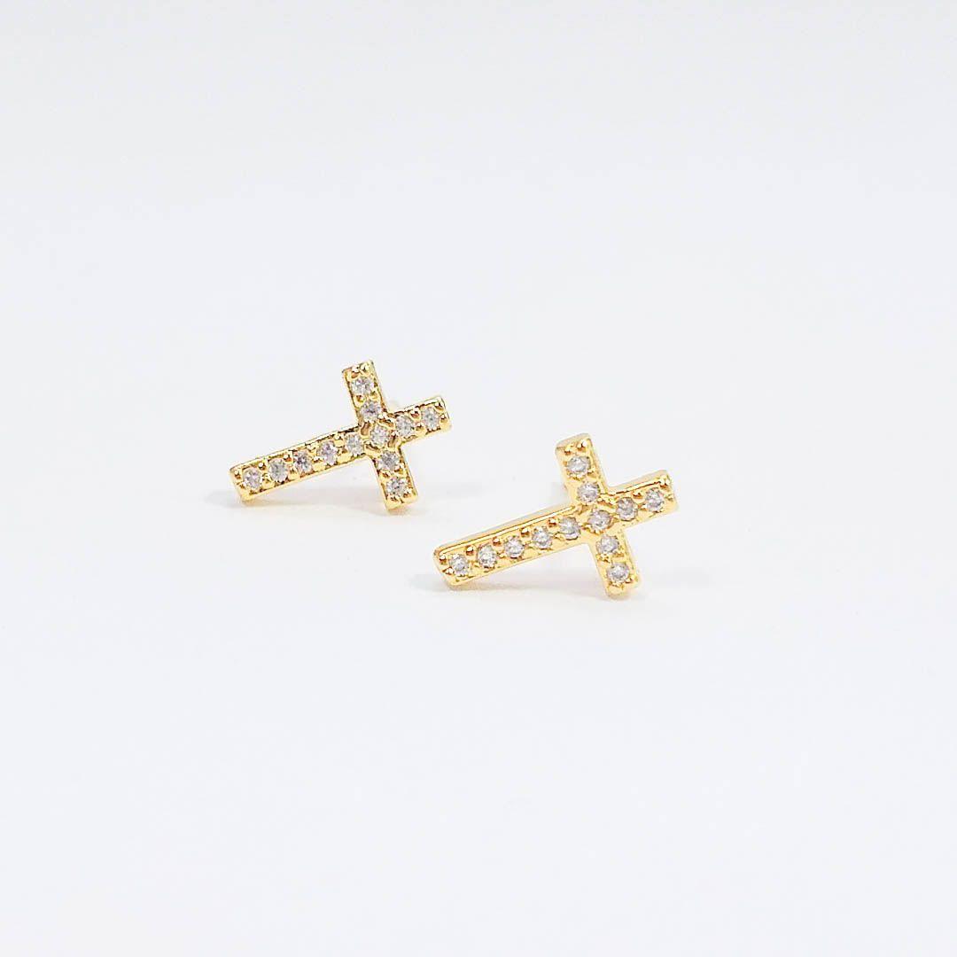 Brinco Cruz Pequena com Zircônia e banho Ouro 18k