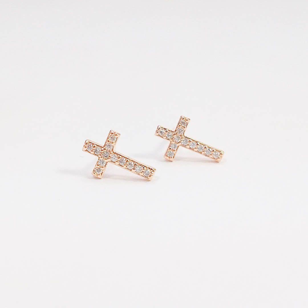 Brinco Cruz Pequena com Zircônia e banho Ouro Rosé