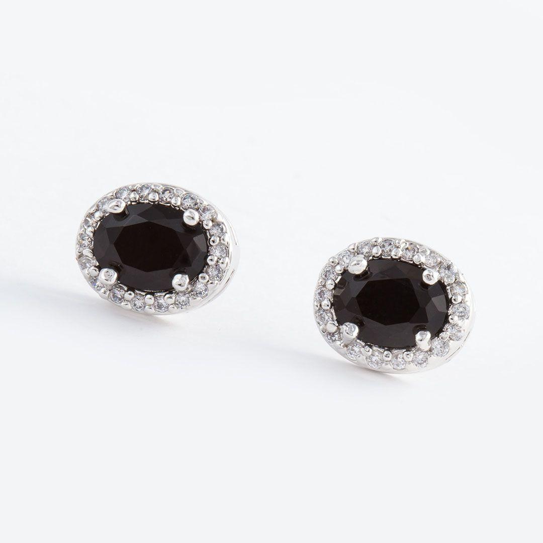 Brinco Princesa Oval Médio cravejado com Zircônias com cristal Negro e banho em Ródio Branco