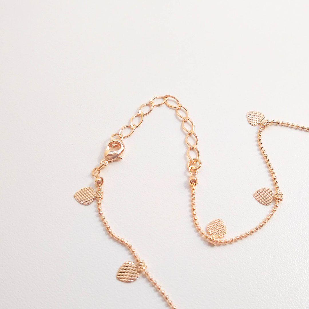 Colar Choker com Medalhas de Coração e Banho em Ouro Rosé