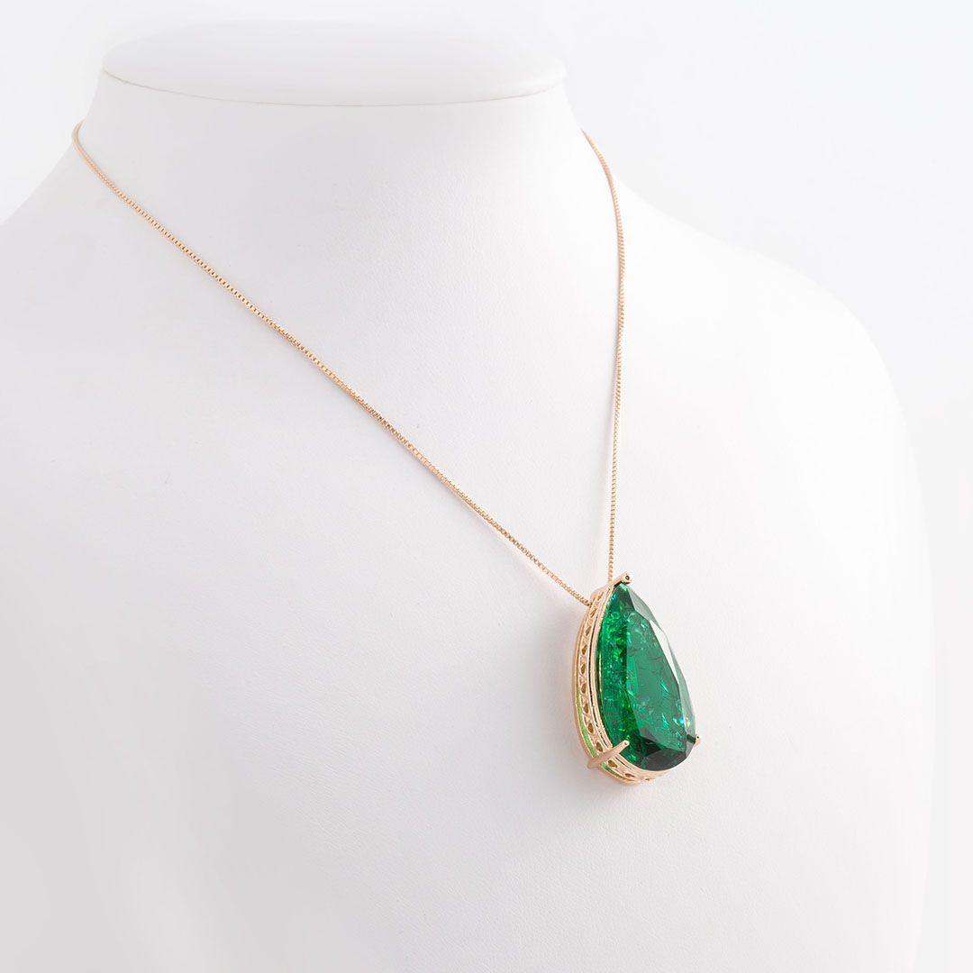 Colar com Gota em cristal Fusion Verde Esmeralda com banho em Ouro Amarelo