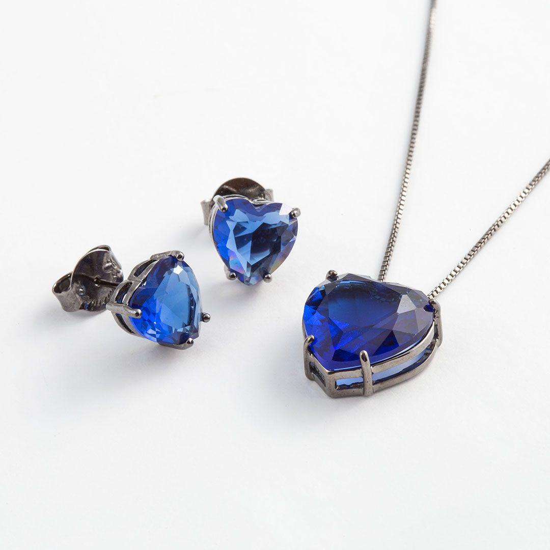 Conjunto Coração Grande em Cristal Azul Safira translúcido com banho em Ródio Negro