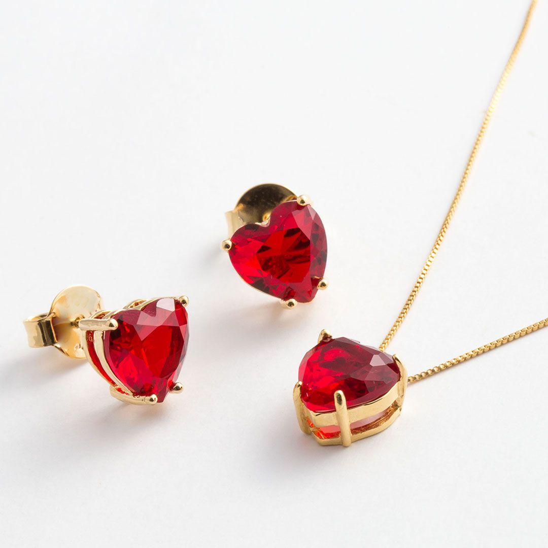 Conjunto de Coração Ponto de Luz Médio em Cristal Vermelho translúcido com banho em Ouro Amarelo