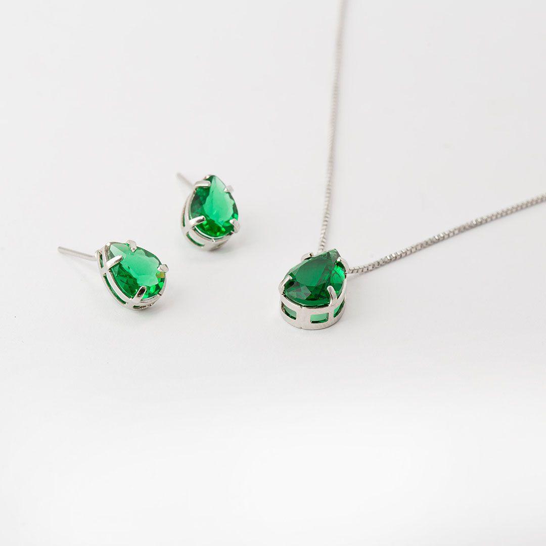 Conjunto de Gota em Cristal Verde Esmeralda com banho em Ródio Branco