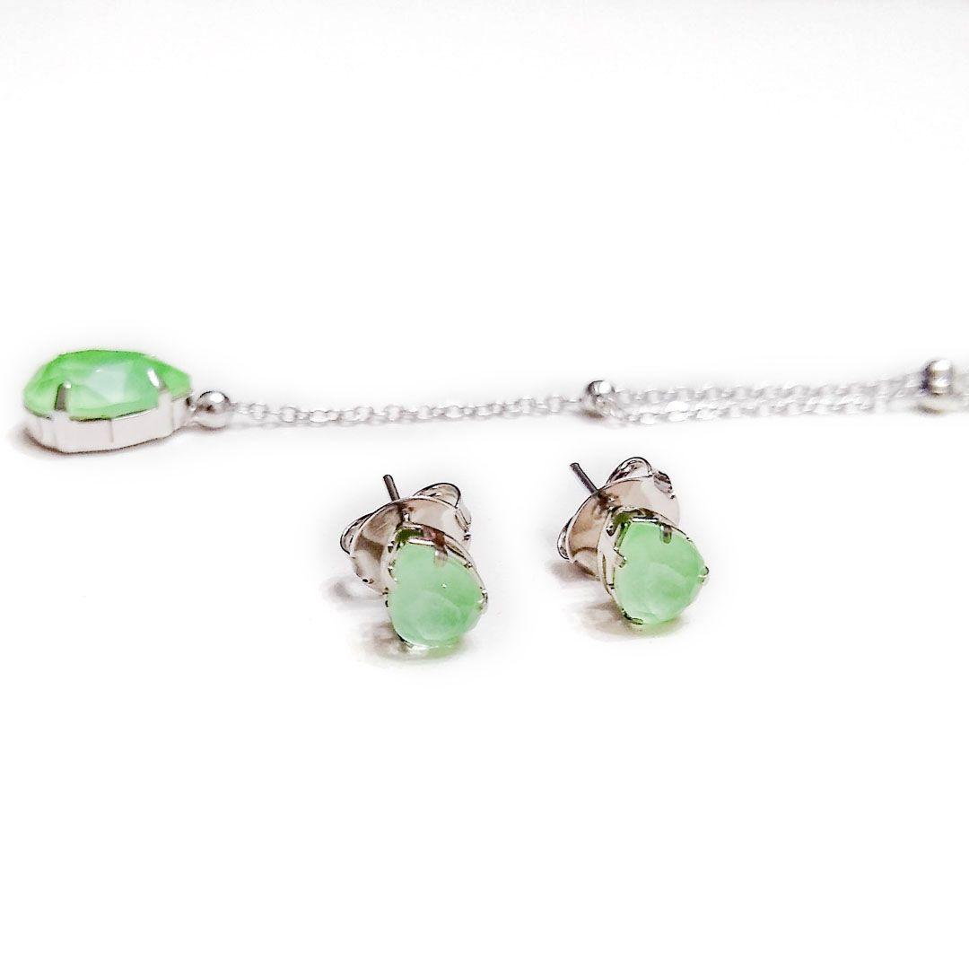 Conjunto Gota Verde Claro com colar Gravatinha banho Ródio Branco