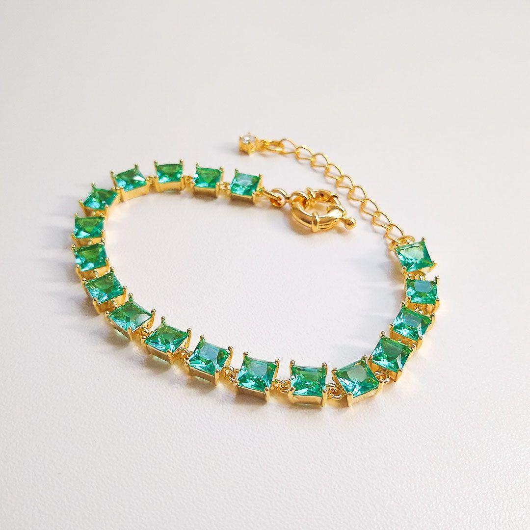 Pulseira com Cristais Verde Tiffany Quadrados e banho em Ouro 18k