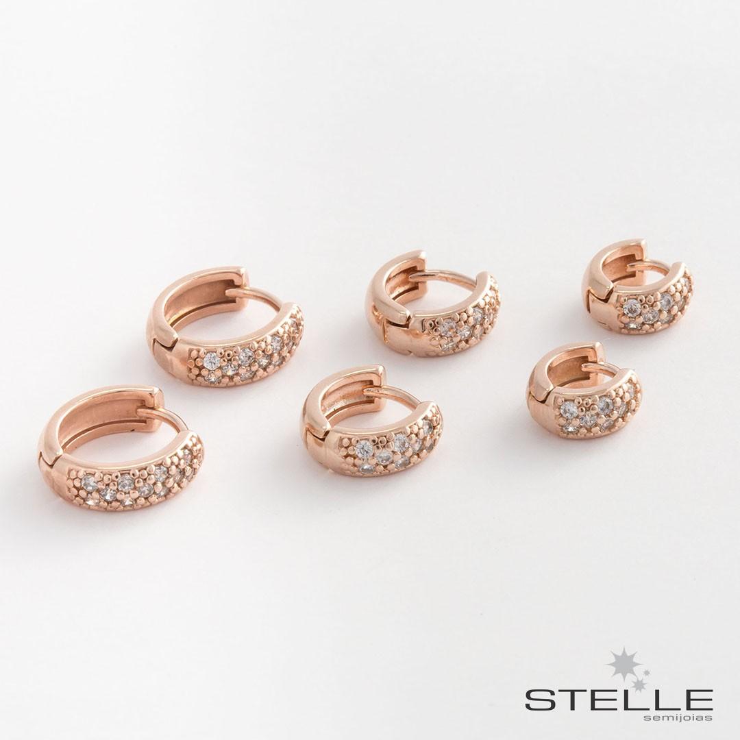 e76ffaa5feb Trio de Brincos de Argola Pequenos com Zircônias Brancas banhados a Ouro  Rose