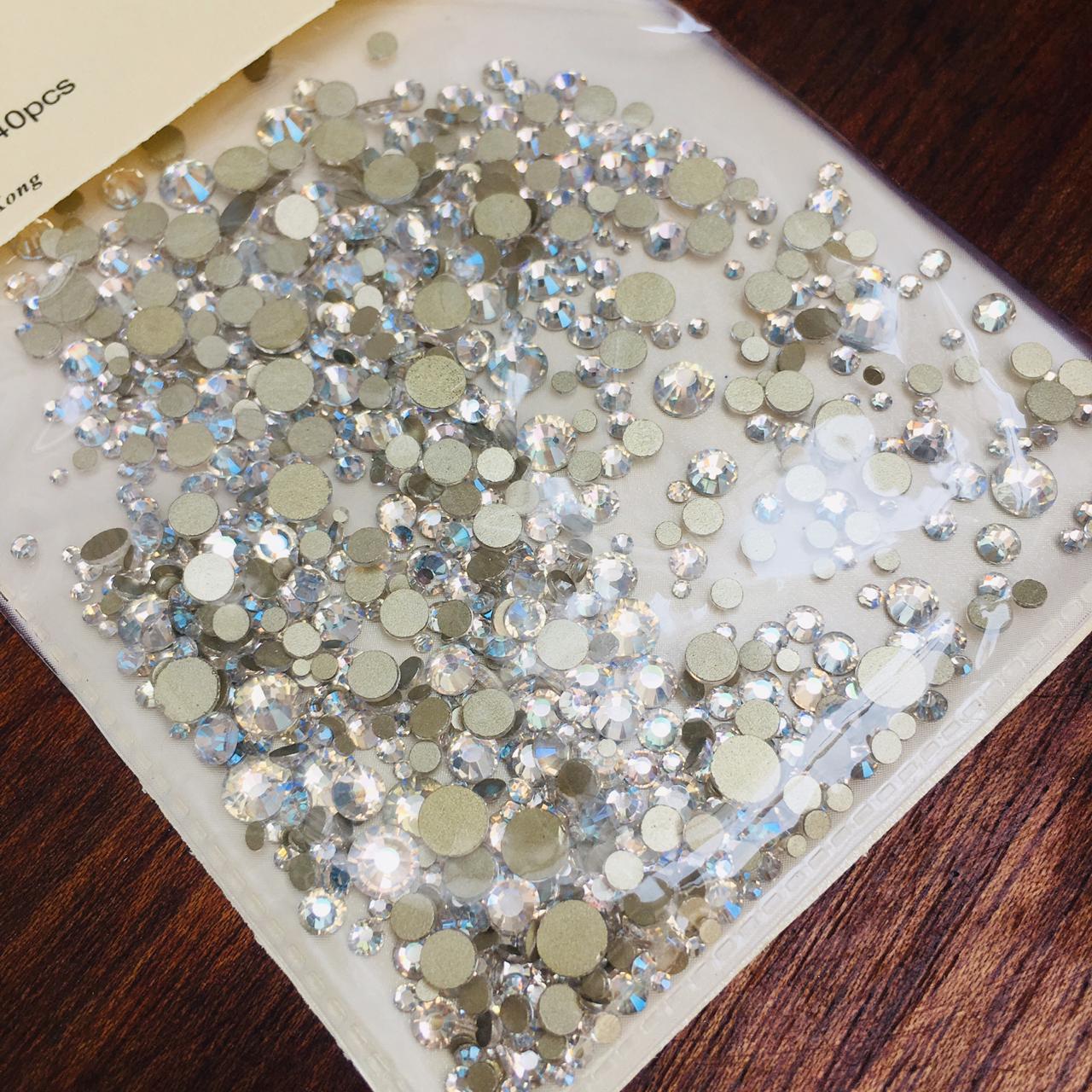 Cristal similar ao swarovski MIX 1400 pecas (pedraria)  - Sílvia Pedrarias & Cia