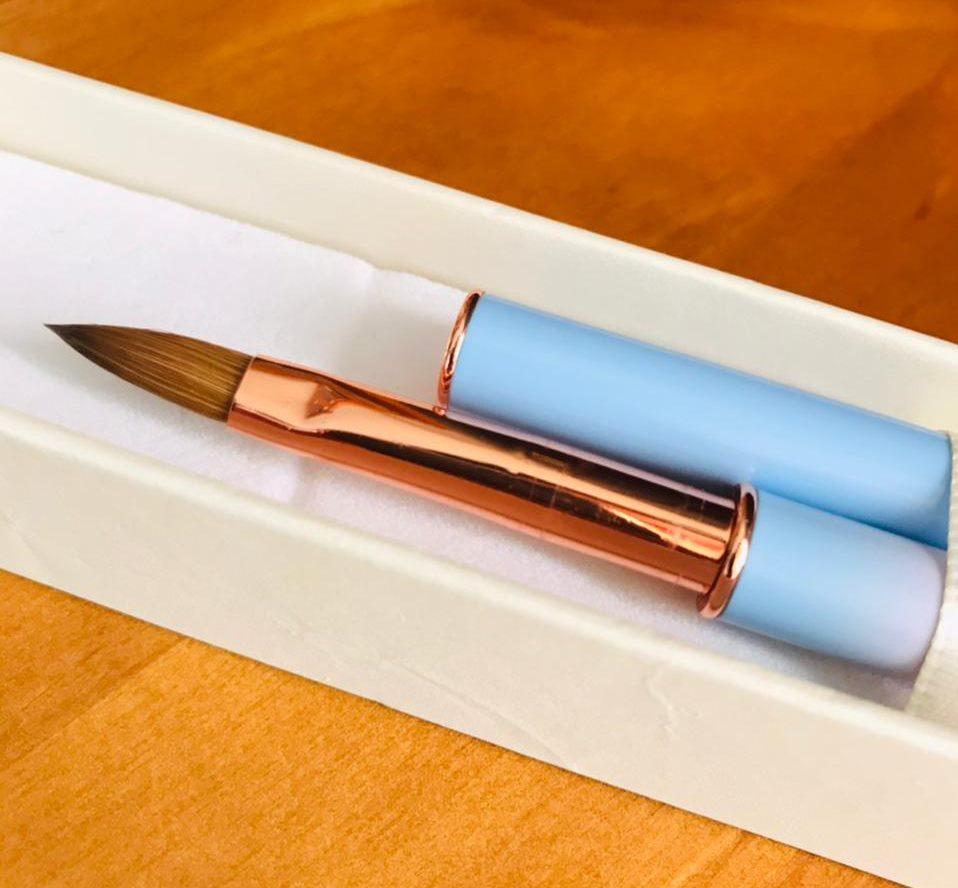 Pincel 100% kolinsky Helen color cabo flutuante Nº8  - Sílvia Pedrarias & Cia