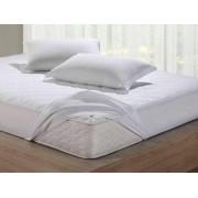 Capa Protetora Para Colchão de Casal Impermeável 1,38x1,88x30 Master Comfort