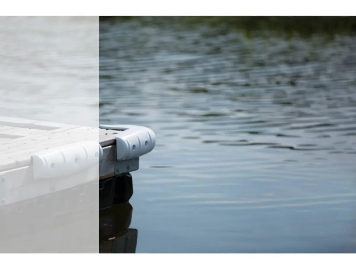 Defensa Curva 90° P/ Trapiche Flutuante Deck Náutico Lancha