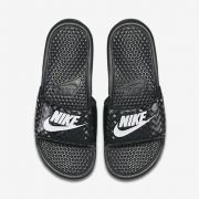 Chinelo Nike Benassi JDI Feminino - Preto/Branco