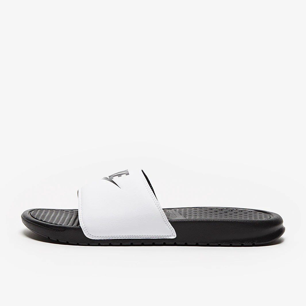 Chinelo Nike Benassi Just Do It - Adulto - Masculino - Preto e Branco