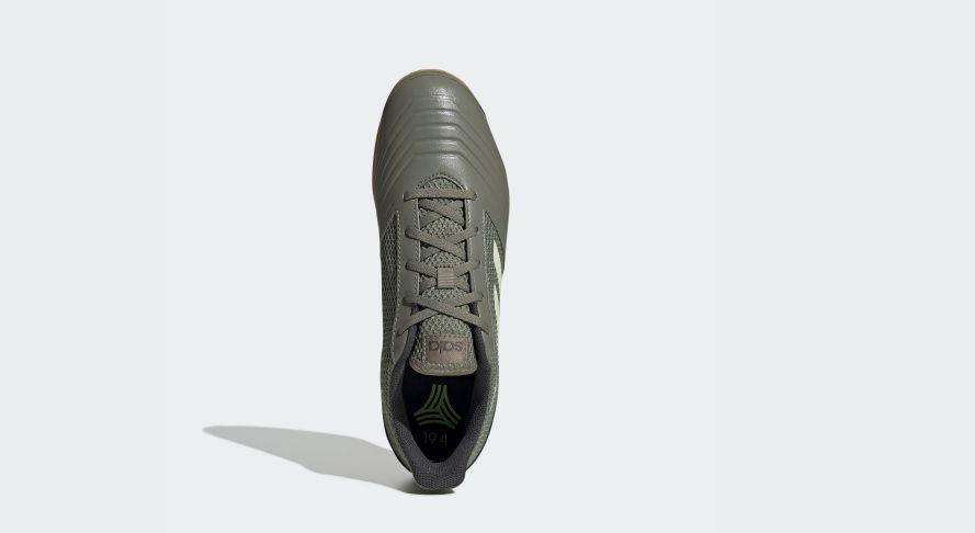 Chuteira Futsal Adidas Predator 19.4 - Masculino - Verde Militar