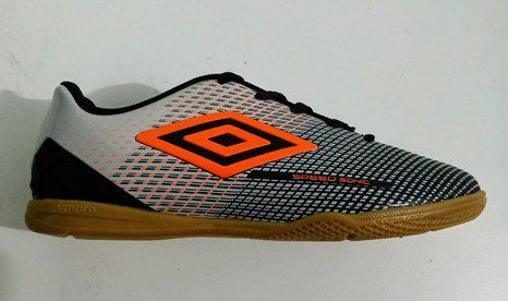 675678a613130 Chuteira Futsal Umbro Speed Sonic Jr - Preto/Pta/Laranja