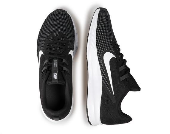 Tênis Nike Downshifter 9 - Masculino - Preto e Branco