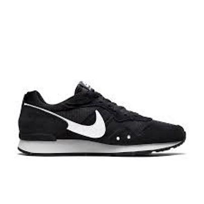 Tênis Nike Venture Runner Masculino - Preto e Branco