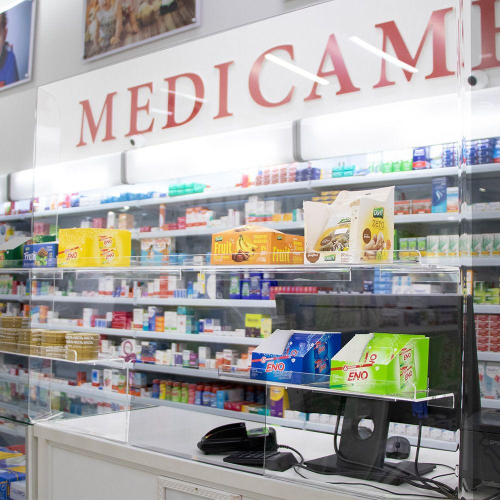 Barreira de Proteção com Prateleira Para Balcão de Atendimento de Mercados, Lojas e Farmácias