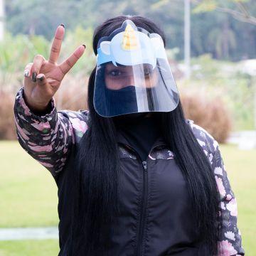 MASCARA DE ACRÍLICO TRANSPARENTE FACE SHIELD DESENHO UNICORNIO PARA PROFESSORES E DENTISTAS