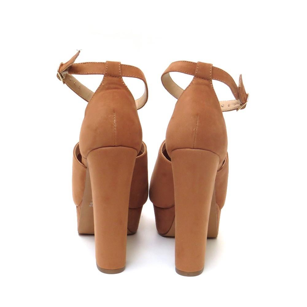 Sandália com meia pata - Caramelo