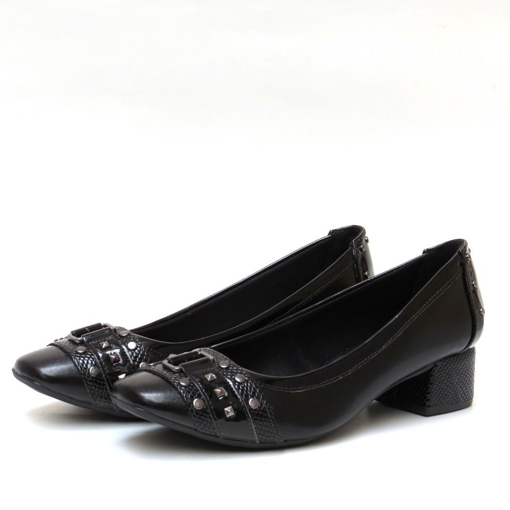 Sapato salto baixo preto