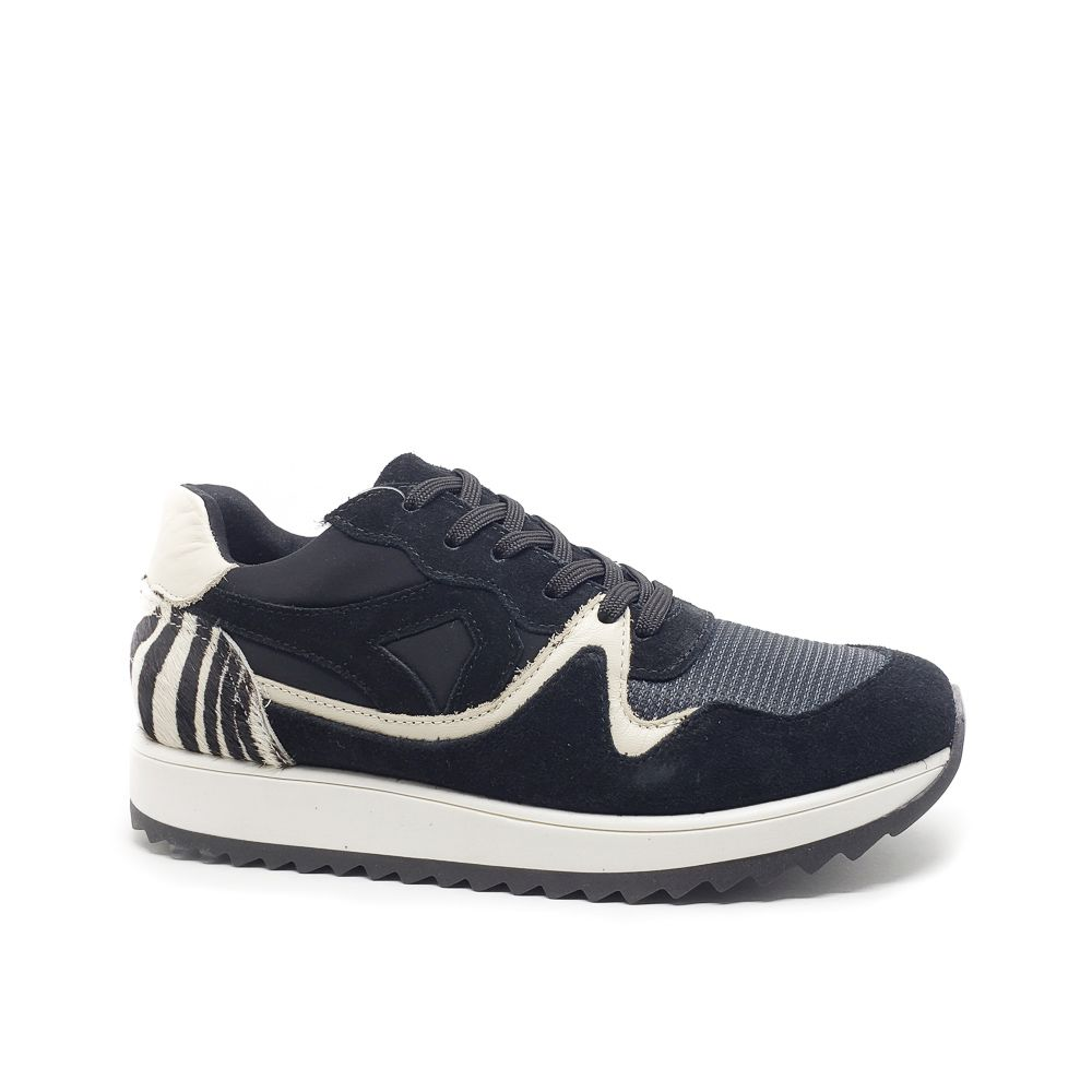 TENIS JOGGING ANIMAL PRINT - PRETO