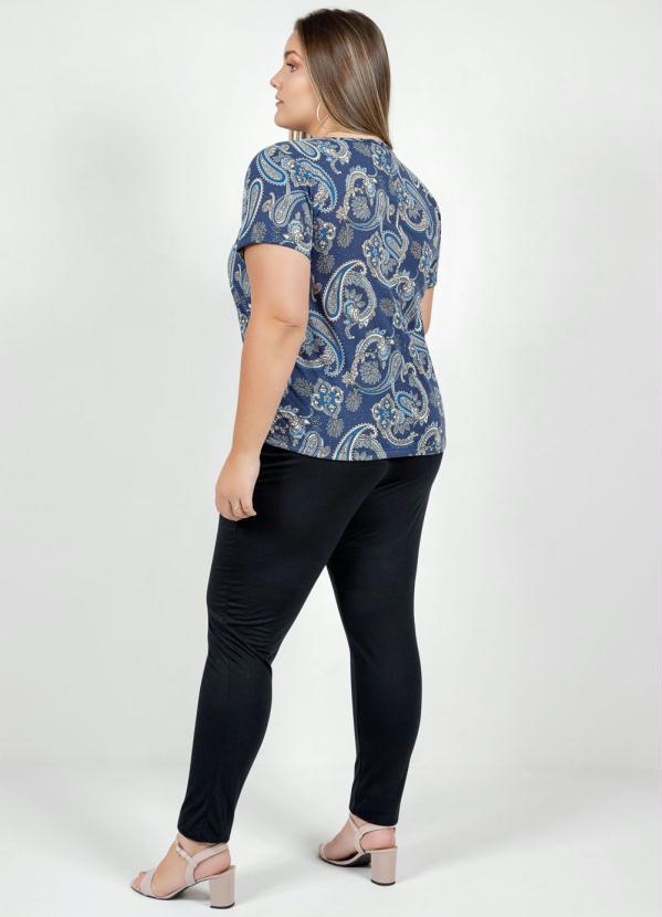 Calça Preta com Amarração Plus Size