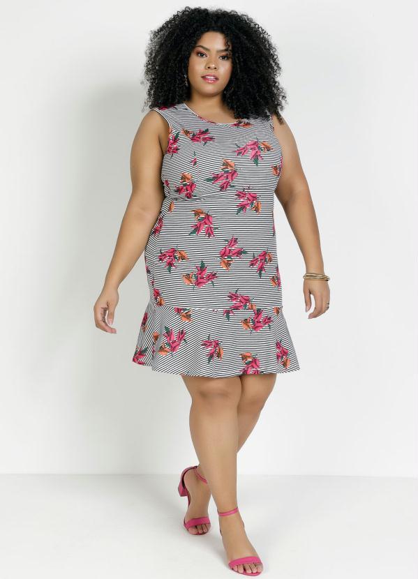 Vestido Curto Floral e Listrado Plus Size