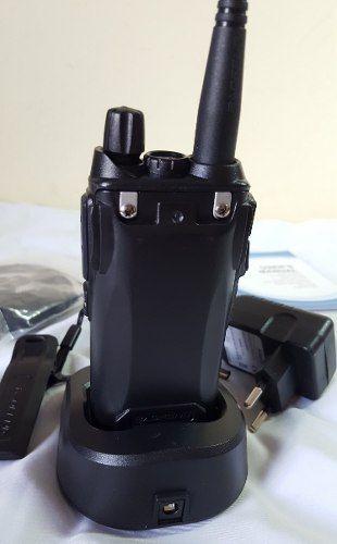 Rádio Comunicador Baofeng Modelo UV-82
