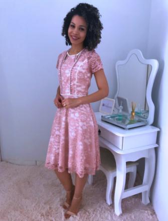 Moda Evangelica - Vestido de Renda Zunna Ribeiro