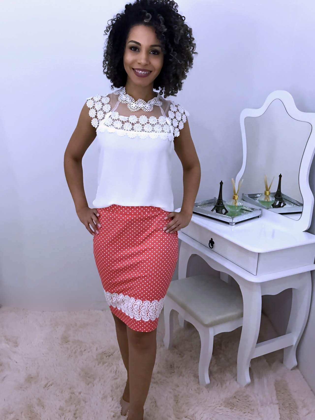 Saia Monia Poá