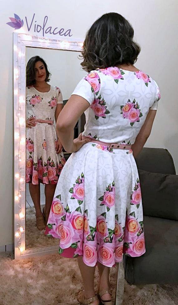 Vestido Midi Encanto das Rosas