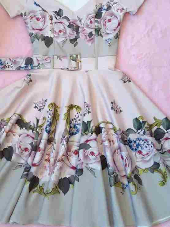 Vestido Midi Harmonia em Rosas