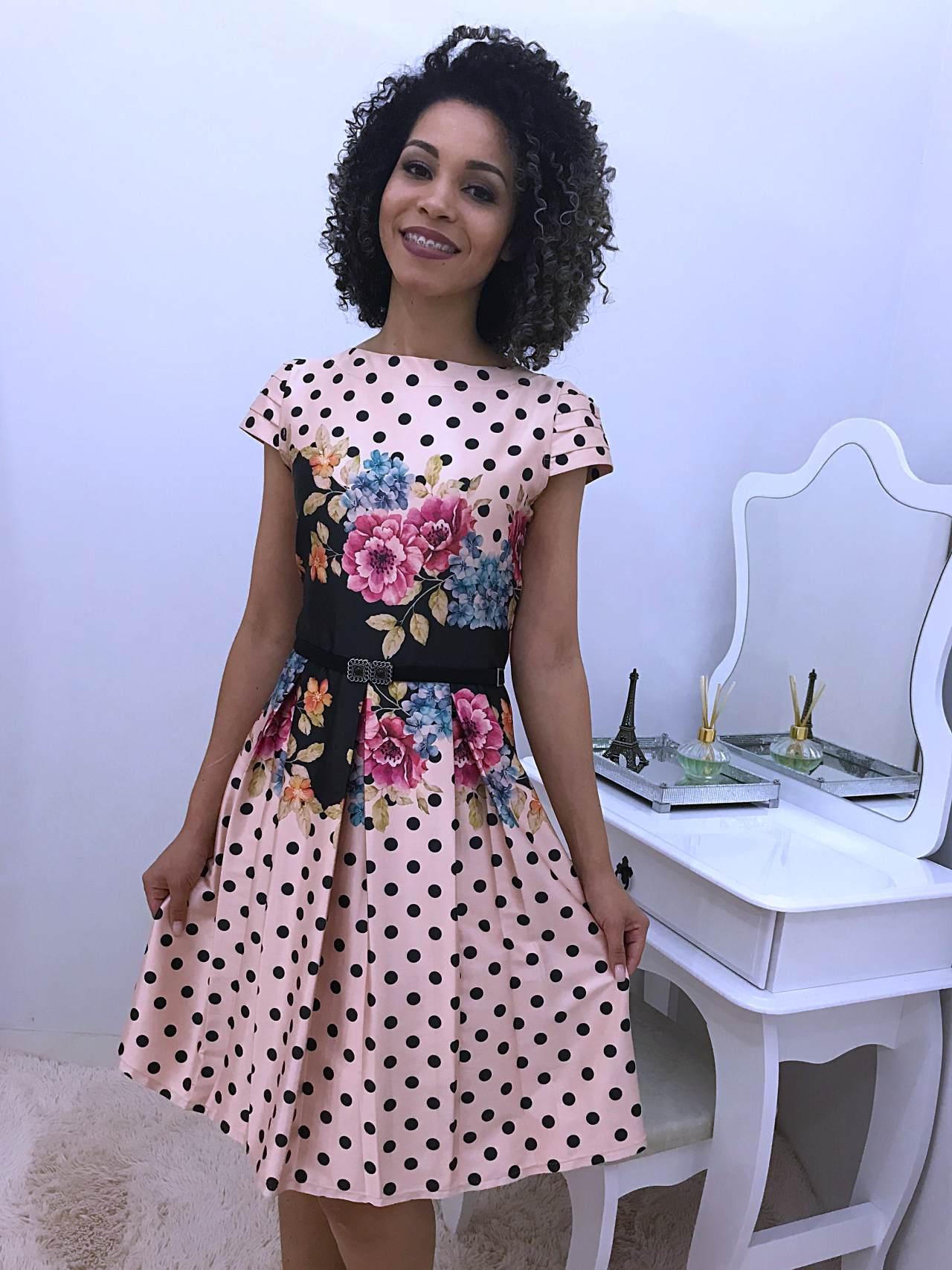 Vestido Princesa com Estampa de Poá