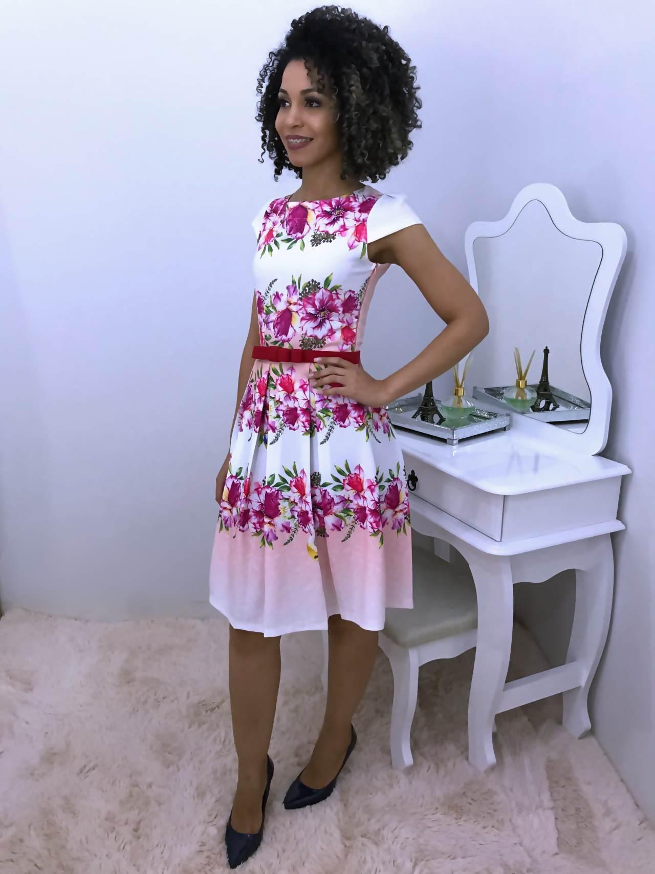 Vestido Rodado e Estampado Modelo Princesa - Moda Evangelica
