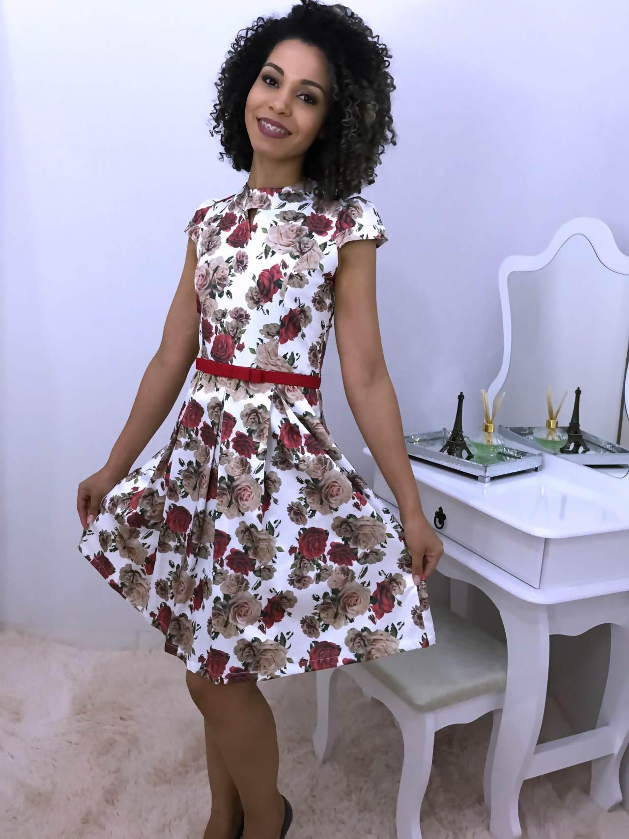 Vestido Rodado Rosas Vermelhas - Moda Evangelica