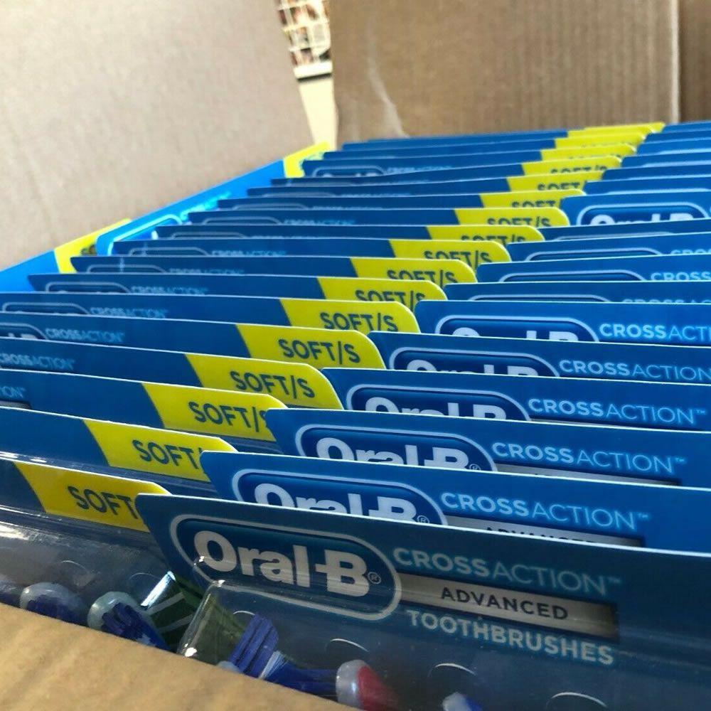 Escova Dental Oral-B Cross Action Advanced Remove até 96% das Placas - Macia - Kit 8