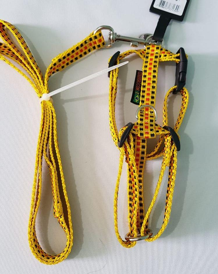 Peitoral 20 mm  tamanho 1 ideal para York. Amarelo