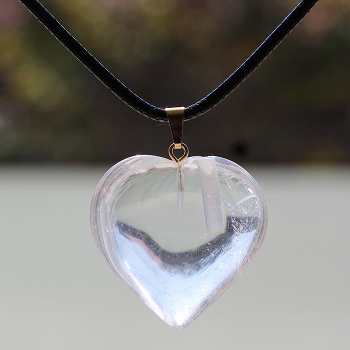 Difusor Colar Coração de Cristal Quartzo Incolor  - Floressência
