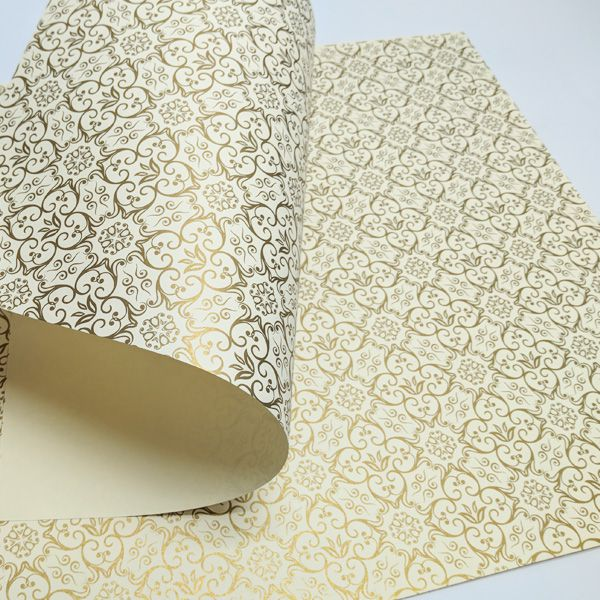 Papel Adamascado - Marfim com Dourado - Tam. A4 - 180g/m²