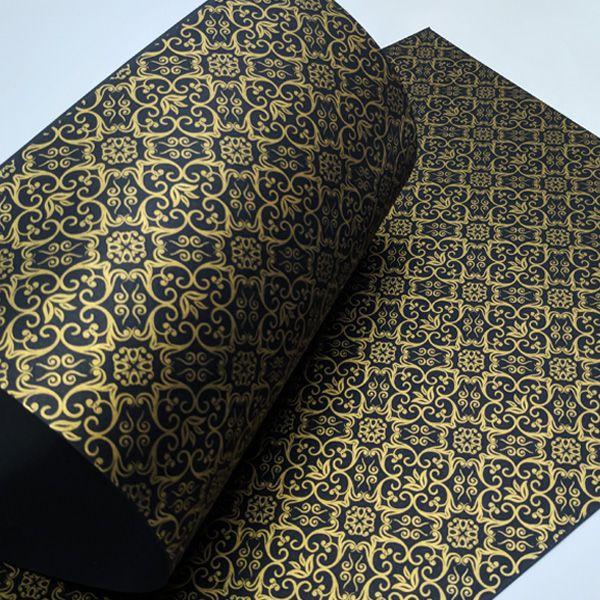 Papel Adamascado - Preto com Dourado - Tam. 32x65cm - 180g/m²