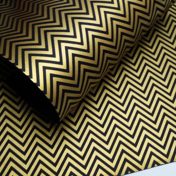 Papel Chevron - Preto com dourado - Tam. A4 - 180g/m²