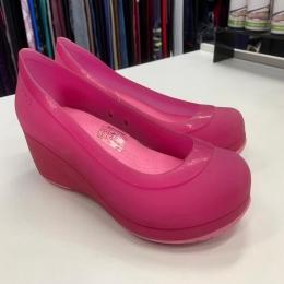 Sapato Crocs Carlisa Mini Wedge Feminino - Rosa