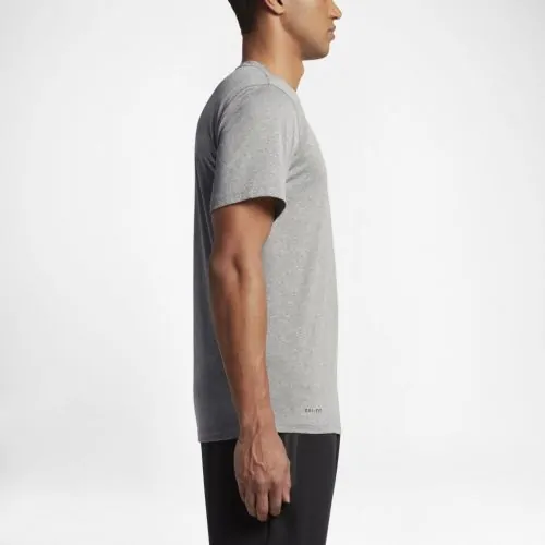 Camiseta Nike Legend 2.0 - Masculina - cinza - Nike