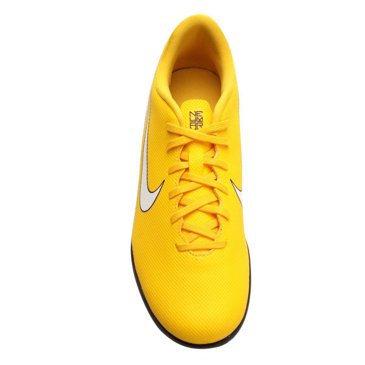 1a9f2c86bf3e3 Chuteira Futsal Nike Mercurial Vapor 12 Club Neymar IC INFANTIL - Amarelo e  Preto - Titanes Esportes
