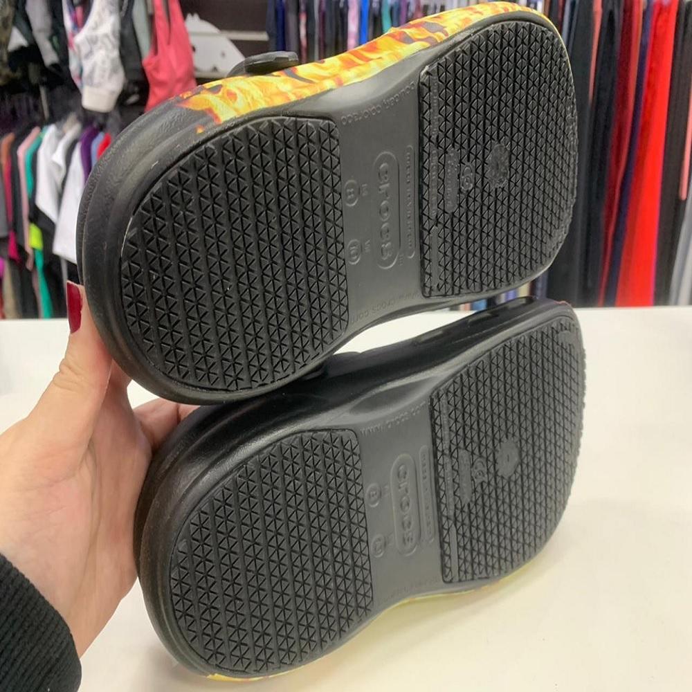 Sandália Crocs Bistro Graphic Clog - Black