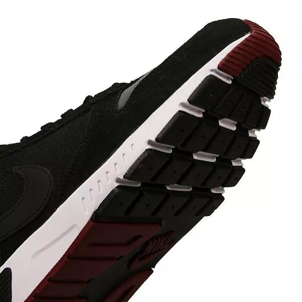 Tênis Nike Nightgazer Masculino - Preto/bordô