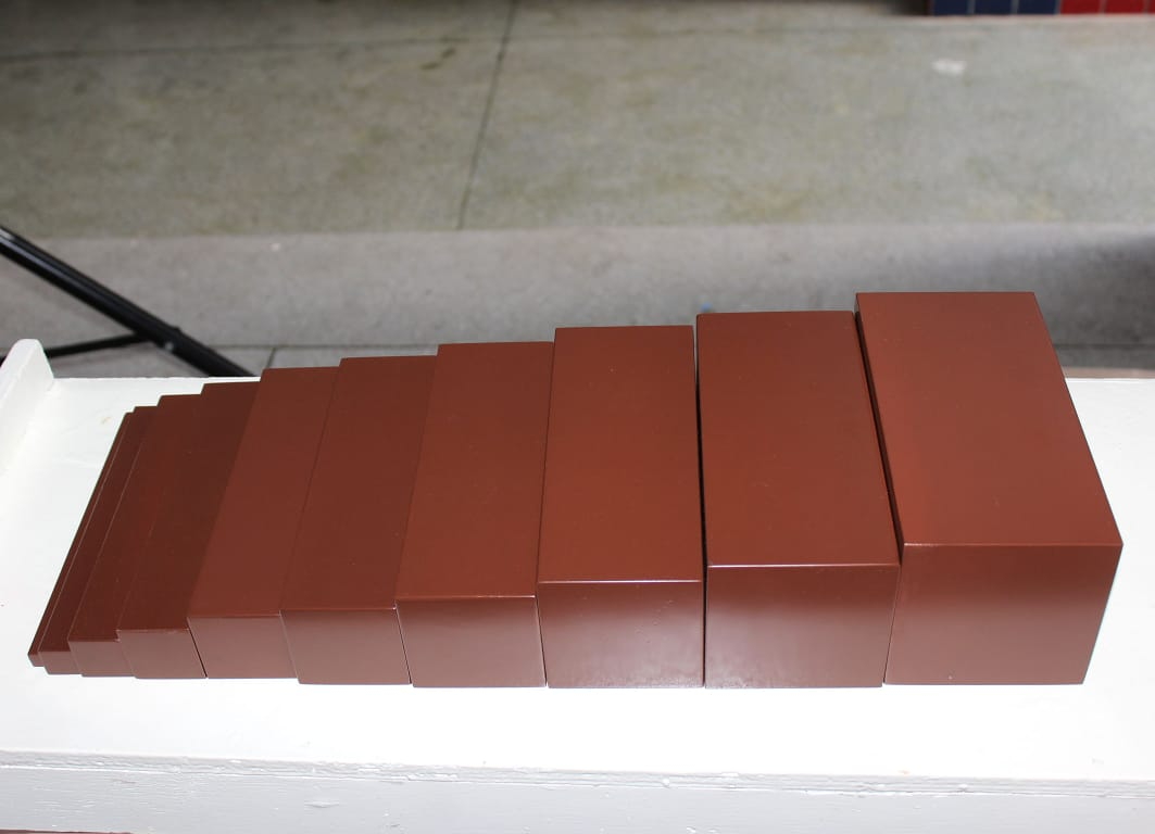 Escada Marrom Montessori