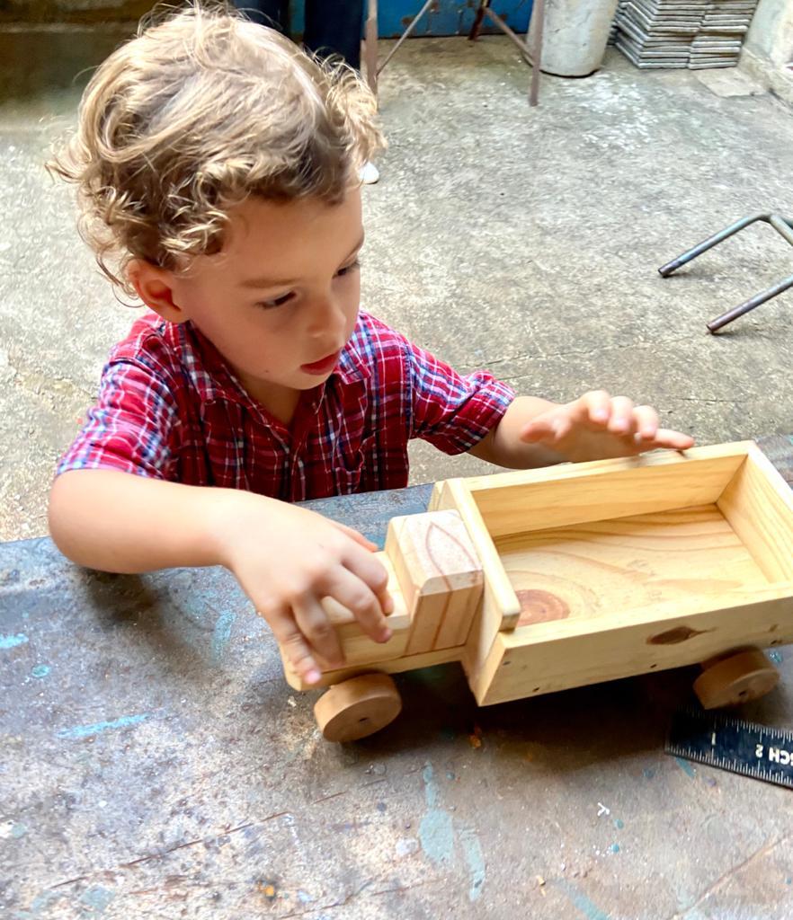 Montessori Caminhão de montar
