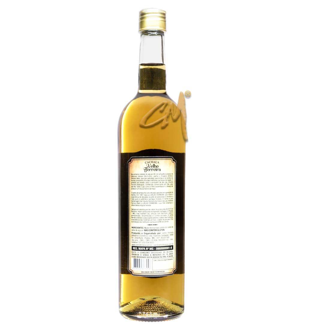 Cachaça Velho Ferreira Ouro 750 ml   (Prados - MG)